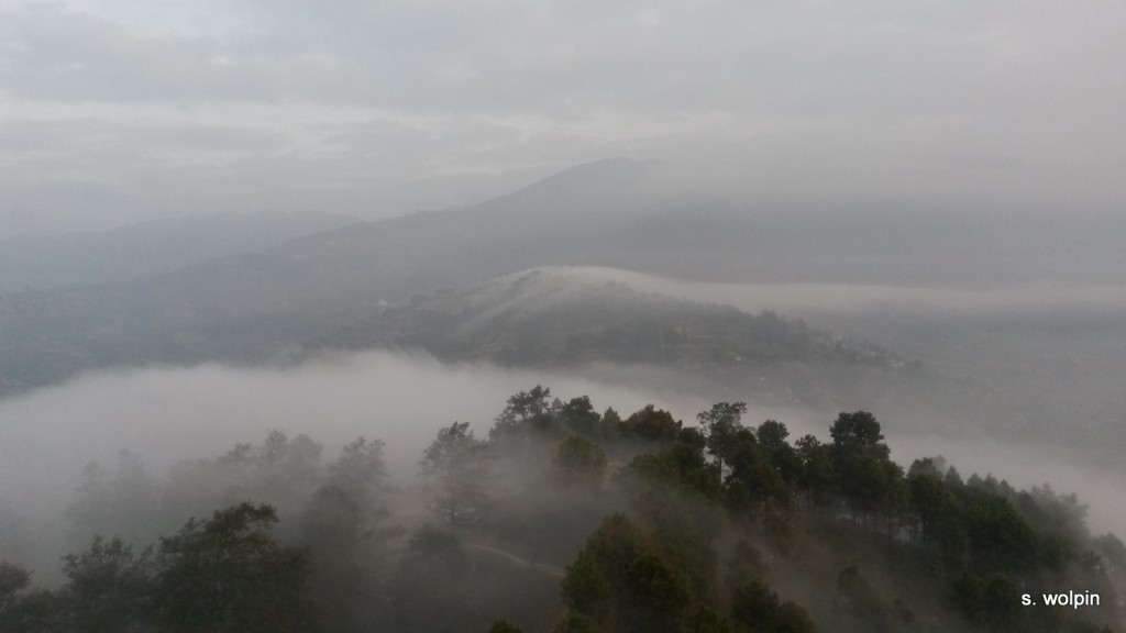 Within 20 mninutes I was on Pew Tower with a view of morning clouds sweeping over the rim
